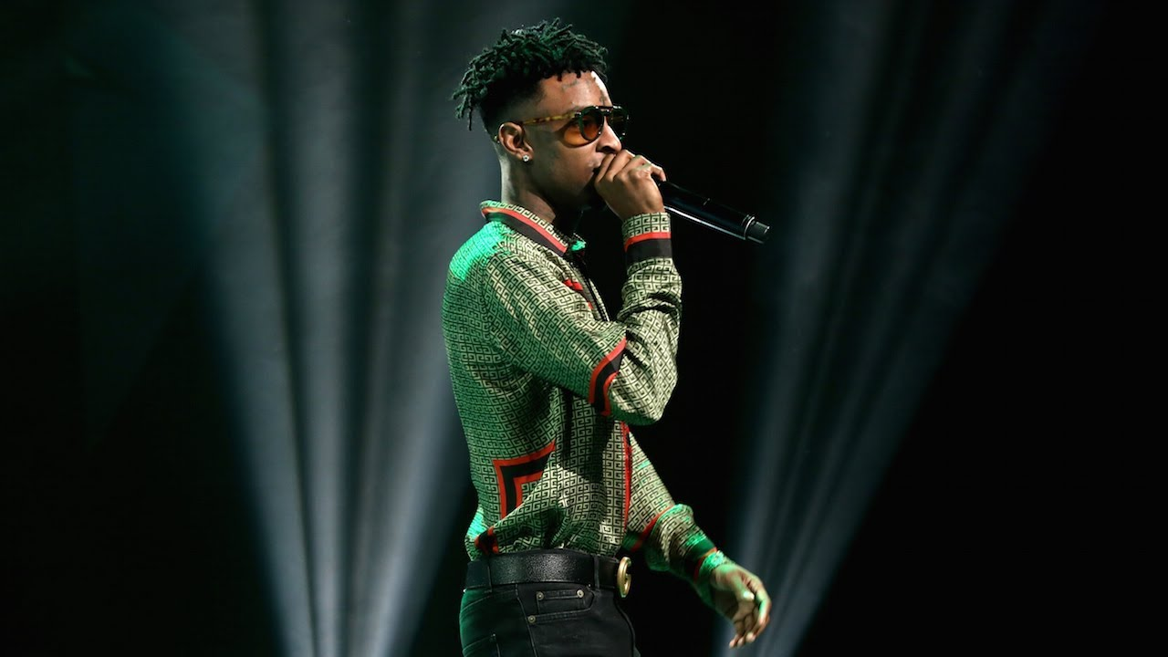 """21 Savage Performs """"Bank Account"""" On The Ellen Show"""